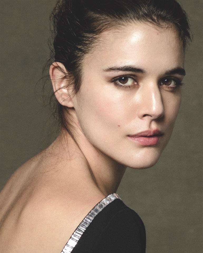 Актриса адриана угарте фото