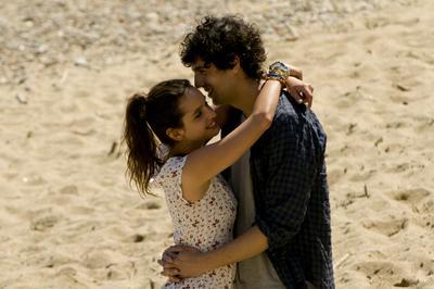 Des gens qui s'embrassent - © Emilie de la Hosseraye