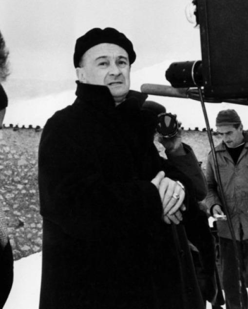 Julien duvivier unifrance films for Don camillo a paris