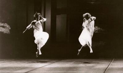 In the Steps of Trisha Brown - © Anne Nordmann
