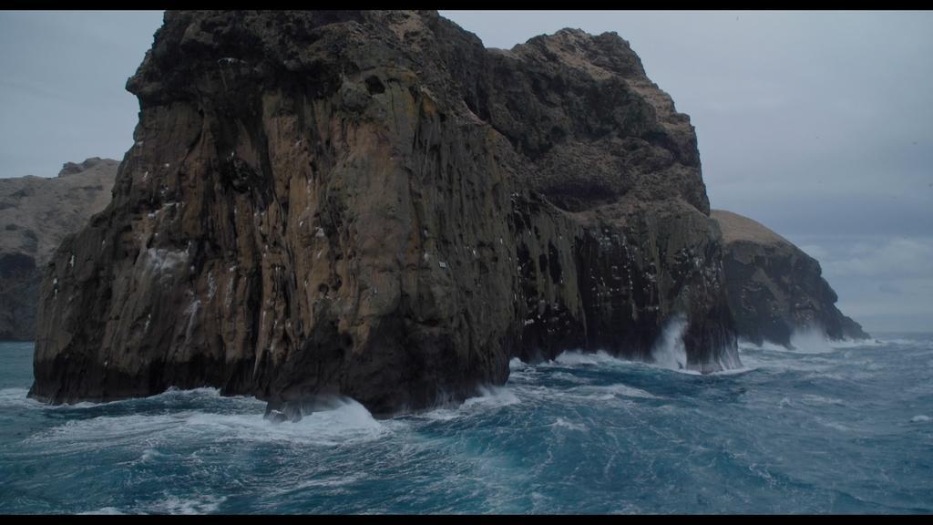 Synti, Synti (l'île écorchée)