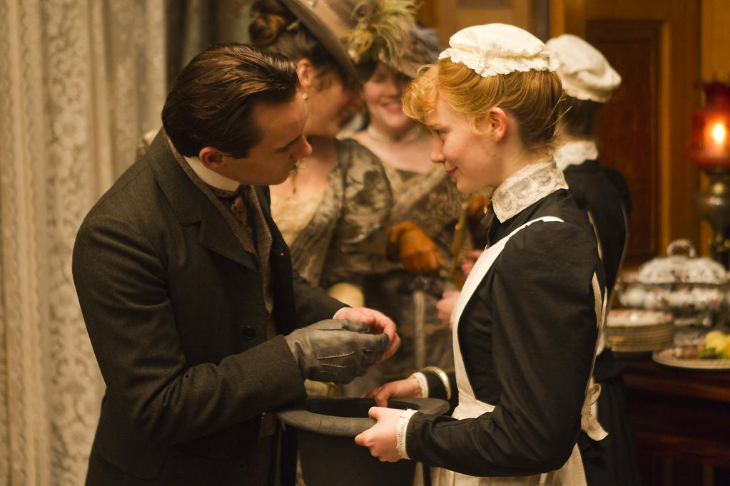 'Albert Nobbs,' With Glenn Close and Janet McTeer - Review ...