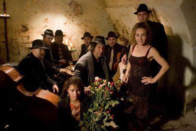 トランシルヴァニア - Le groupe de musique Nadara