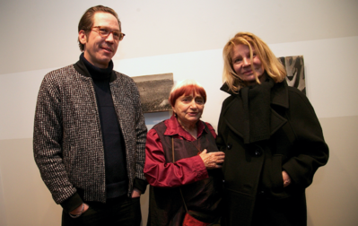 A very fine edition of the 22nd Rendez-Vous With French Cinema in New York - Reda Kateb et Nicole Garcia entourent Agnès Varda pour son exposition - © Bestimage