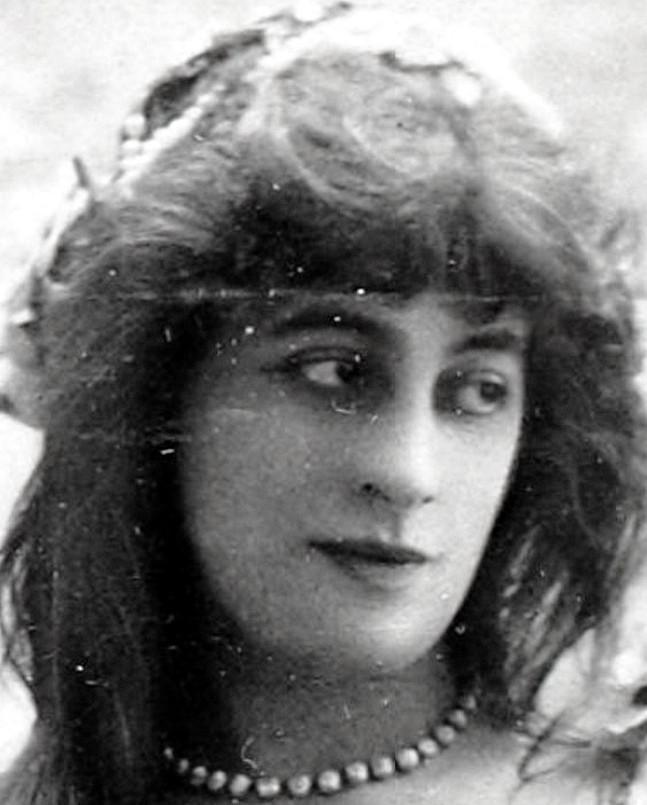 Suzanne Munte