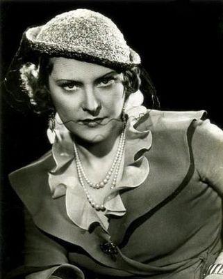 Gina Manès