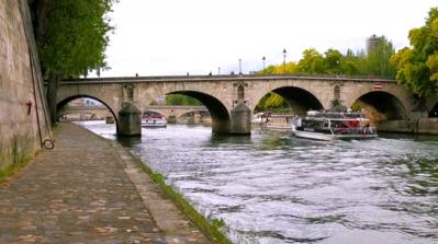 Dom à l'heure parisienne