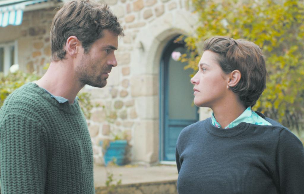 Yannick Renier et Emma de Caune - Les Châteaux de sable