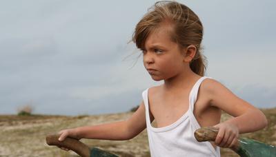 À une enfant qui danse dans le vent