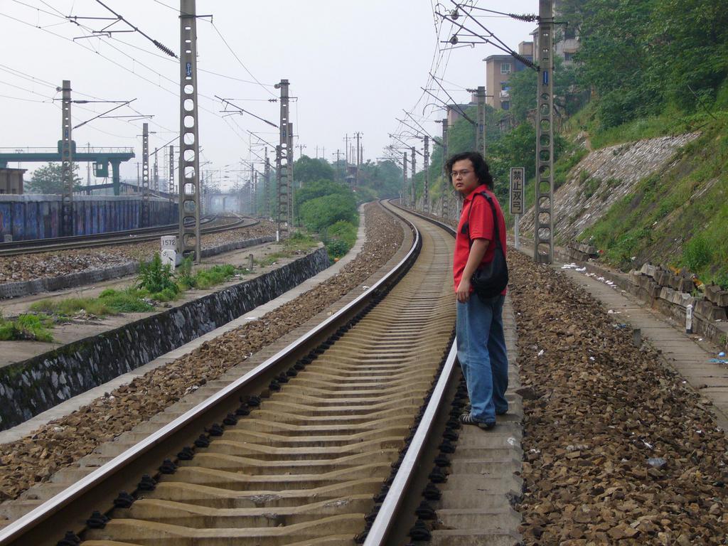 Mengzhou Zhang