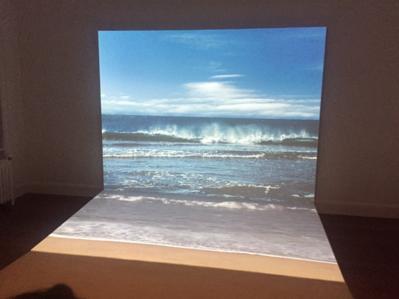 Portfolio - Vidéo, photo et sable... Une installation hypnotique d'Agnès Varda