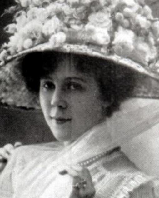 Andrée Marly