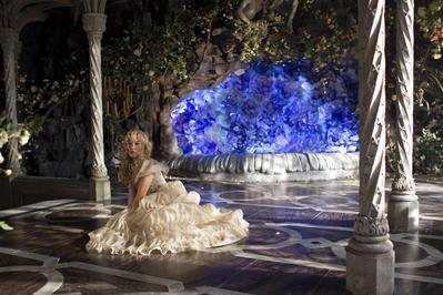 Beauty and the Beast - © Copyright : 2014 Eskwad – Pathé Production – Tf1 Films Production - Achte / Neunte / Zwölfte / Achtzehnte Babelsberg Film Gmbh – 120 Films – Photos de Christophe Beaucarne