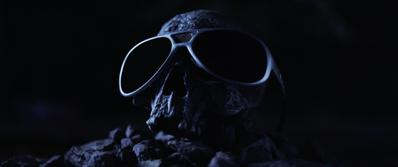 L'Avenir est tellement radieux (que je dois porter des lunettes noires)