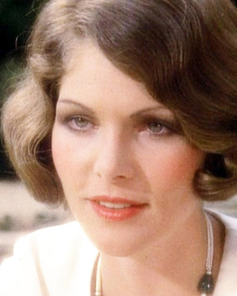 Lois Chiles naked (62 foto and video), Tits, Leaked, Selfie, braless 2006