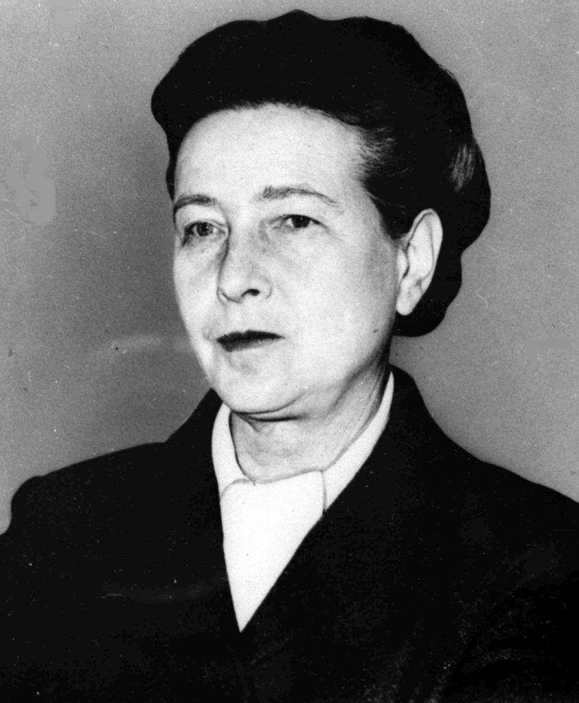simone de bouvier Simone de beauvoir famously wrote, 'one is not born, but rather becomes, a woman' in this book she defines the situation of women, explodes the myths of femininity.