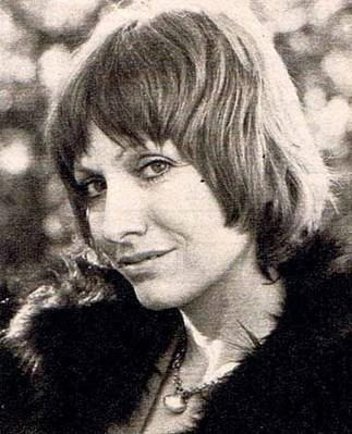 Juliette Mills