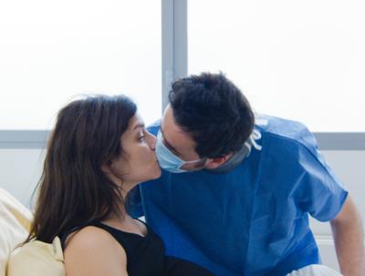 奥様は妊娠中 - © Avenue B Productions / Vito Films