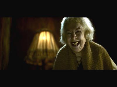 La Vieille Femme aux dents jaunes