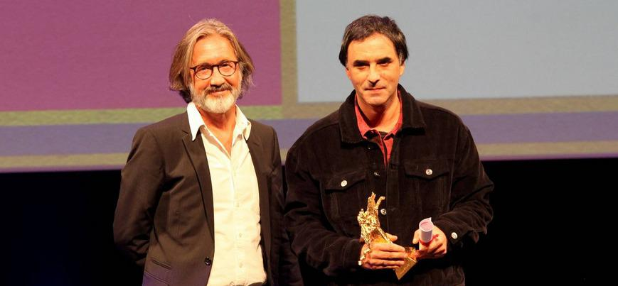 Samuel Benchetrit obtiene 3 premios en el FIFF de Namur con su película «Chien»