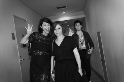 June 20: Opening of the 27th French Film Festival in Japan - Zabou Breitman, Eléa Gobbé-Mévellec et Vincent Lacoste quelques instants avant l'ouverture - © Laurent Campus