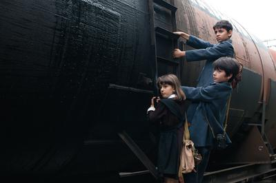汽車はふたたび故郷へ - © Niko Tarielashvili