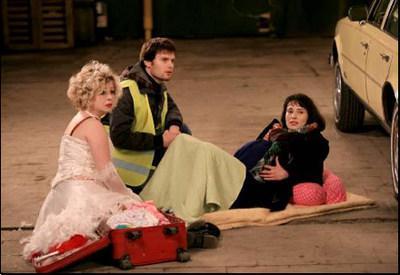 La Mariée n'est pas qu'une marchande de frites - Julie Rodrigue, Hugo Becker et Julie Muzard - © Thomas Bartel