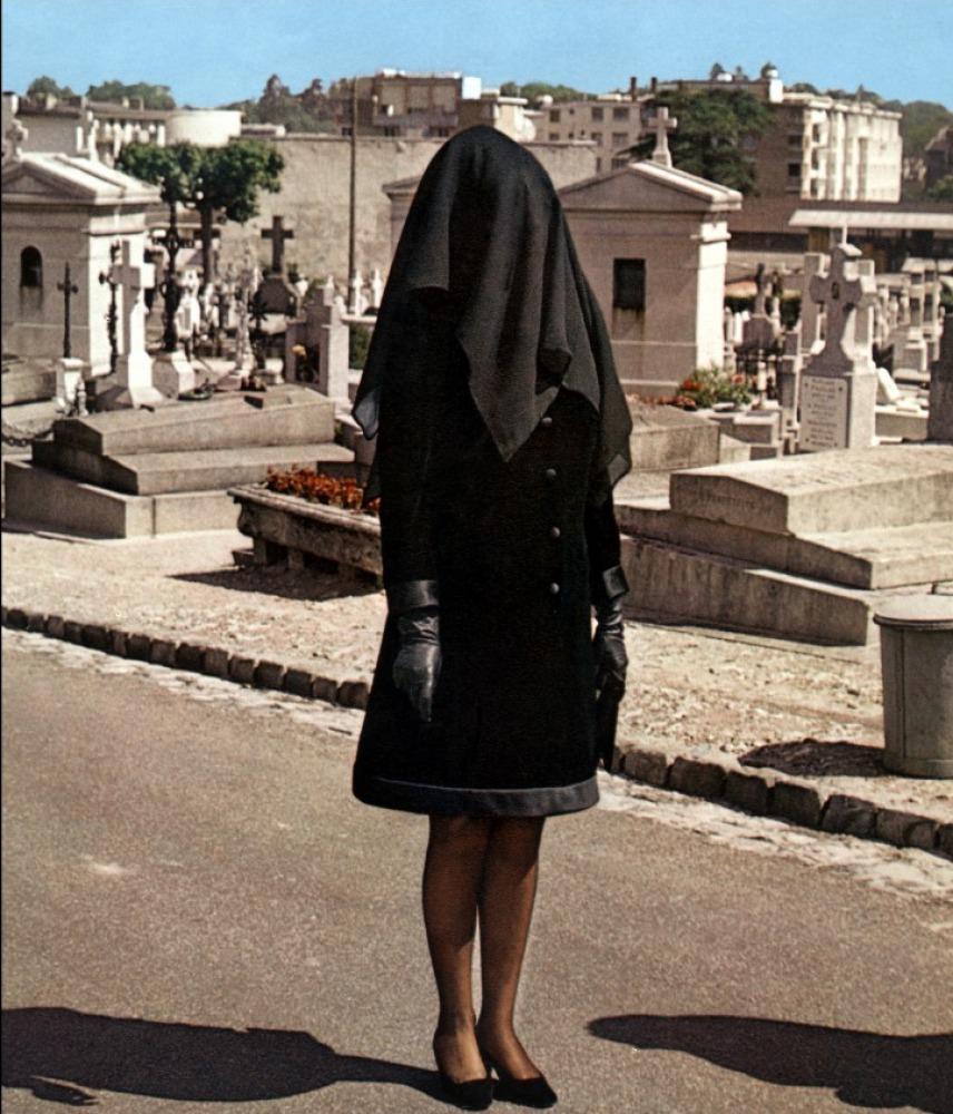 黒衣の花嫁