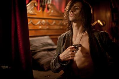Tom Hiddleston - © Pandora Film - Exoskeleton Inc
