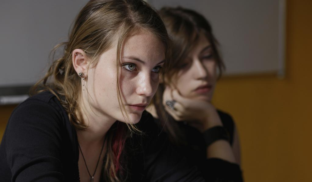 Young Girls In Black De Jean Paul Civeyrac 2010 - Unifrance-4814