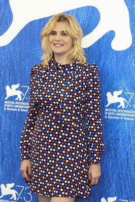Tres recompensas y un hermoso homenaje al cine francés en Venecia - © AFP
