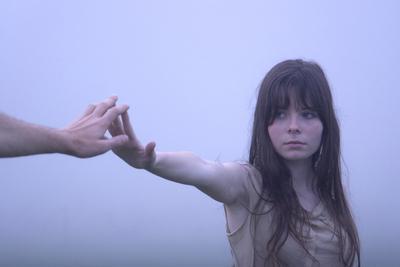 Os Famosos e os Duendes da Morte/名前のない少年、脚のない少女