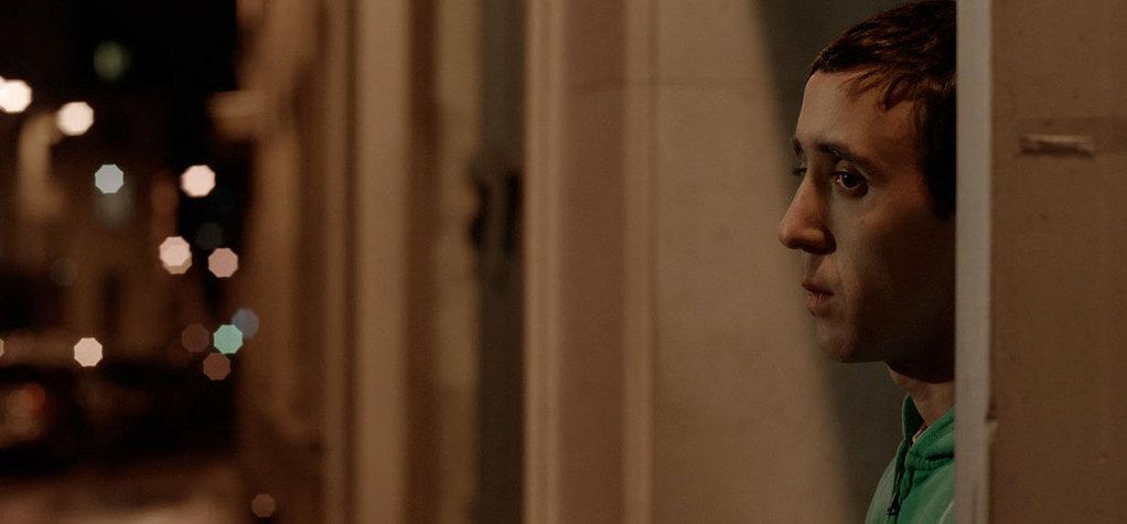 「パリまでの道」:エデュアルド・モルランによる映画批評