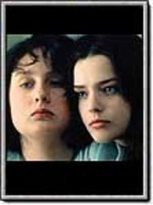 film essay à ma soeur À ma sœur is a 2001 french drama film written and directed by catherine breillat and starring anaïs reboux and roxane mesquida it was released in some engl.