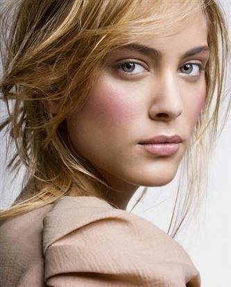 Nora Arnezeder - UniFrance