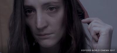 Je m'appelle Chloé, j'ai 25 ans, j'veux pas mourir