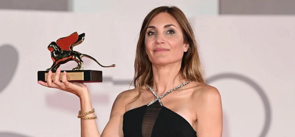 Audrey Diwan reçoit le Lion d'or à Venise pour 'L'Événement'