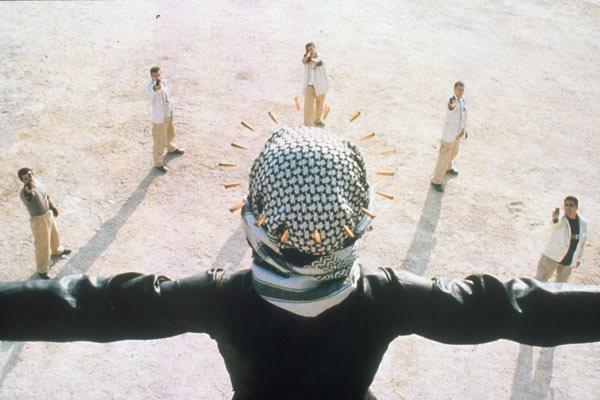 Intervention divine de Elia Suleiman (2002) - UniFrance