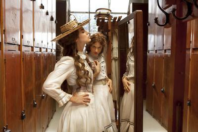 Les Aventures extraordinaires d'Adèle Blanc-Sec - © Magali Bragard 2010 Europacorp - Apipoulaï Prod - Tf1 Films Production