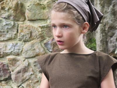 Girls in the Middle Ages - © Doris Lanzmann