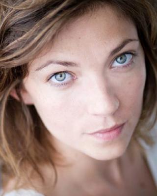 Émilie  Deville