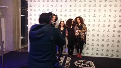 Les Ogres galardonada en el Festival de Rotterdam - Leila Bouzid et ses comédiennes