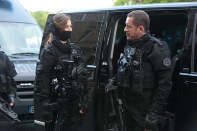 Una policía en apuros - © David Koskas