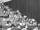 Hirokazu Kore-eda, entre los estudiantes que han venido a presenciar la clase magistral de Claude Lelouch