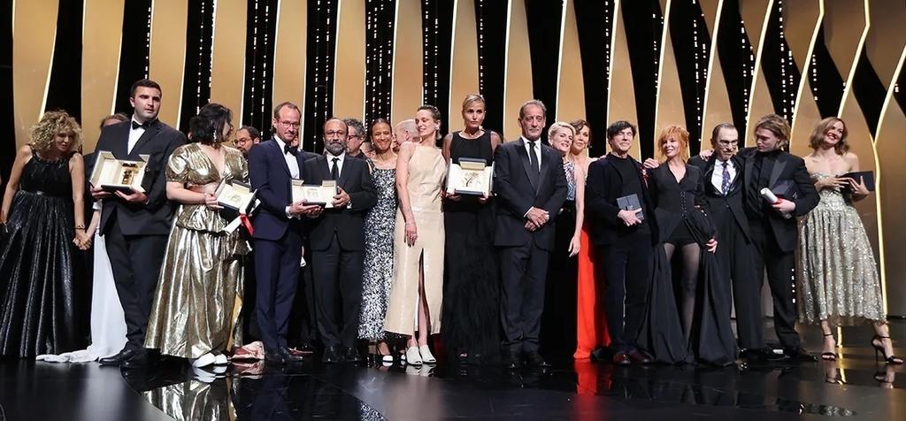 ¡El cine francés obtiene más de 20 premios en Cannes! - © Jury et Lauréats – Cérémonie de Clôture 2021 © Valery Hache / AFP