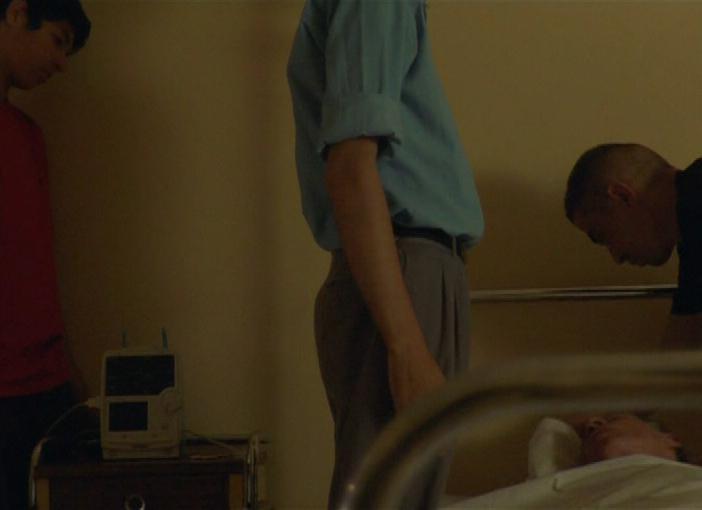 Kamel s'est suicidé six fois, son père est mort