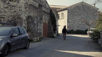 Le Fils de l'épicière, le Maire, le Village et le Monde - © Petit à Petit Production