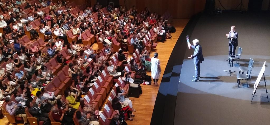 Claude Lelouch pendant le débat qui a suivi la projection des Plus Belles Années d'une vie