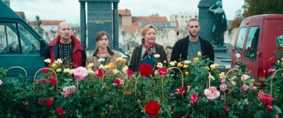 Entre rosas - © Estrella Productions