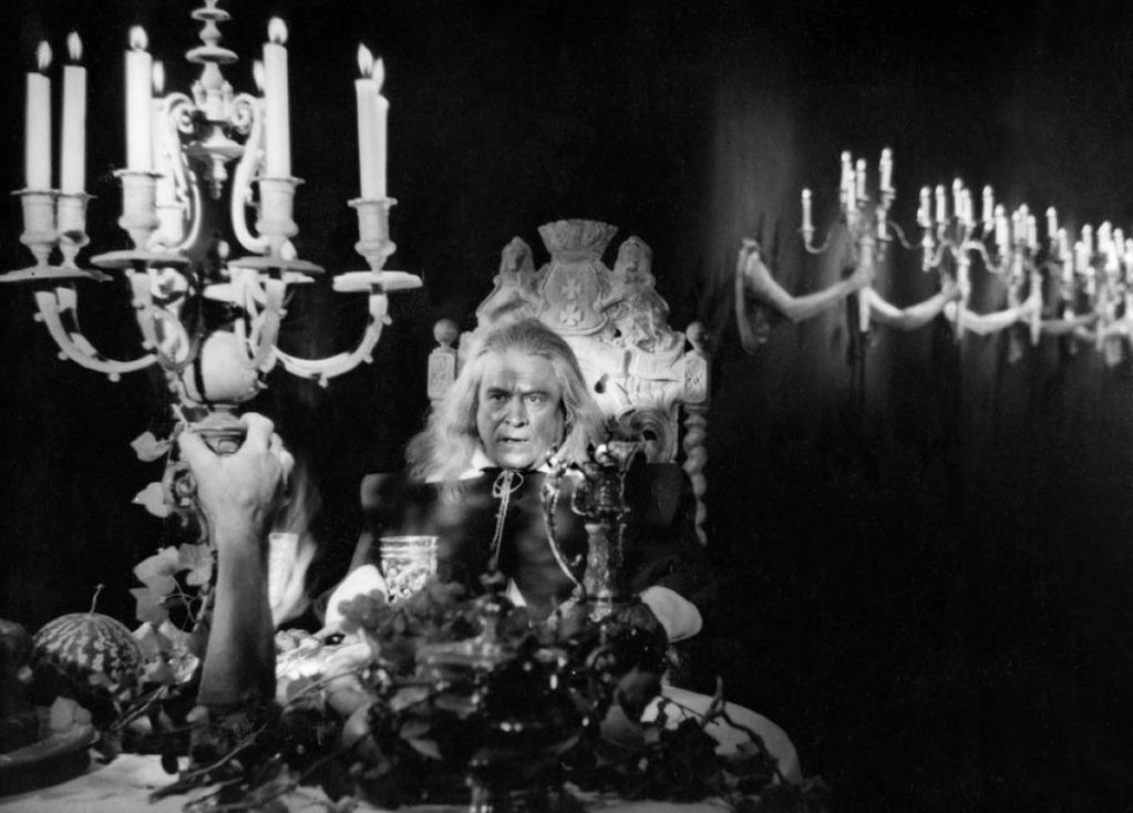 la belle et la b te j cocteau 1946 unifrance films. Black Bedroom Furniture Sets. Home Design Ideas